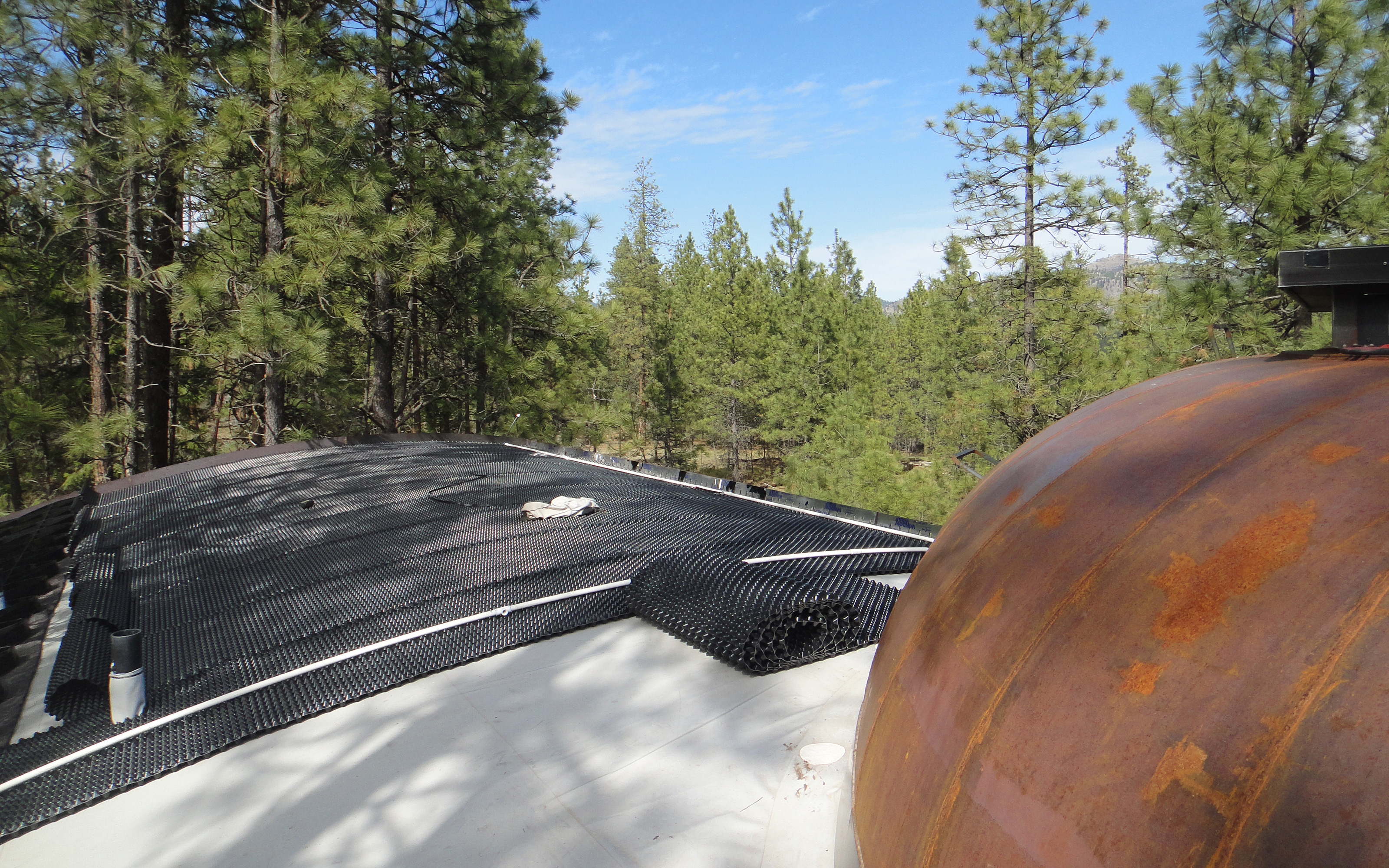 Floradrain® FD 40-R elements on a sloped roof